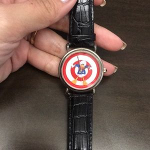 Disney Donald Duck watch with leather strap